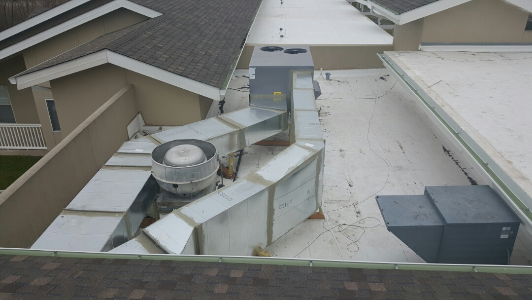 Fort Worth, TX - New ComfortMaker 10 ton rooftop package unit with duct.