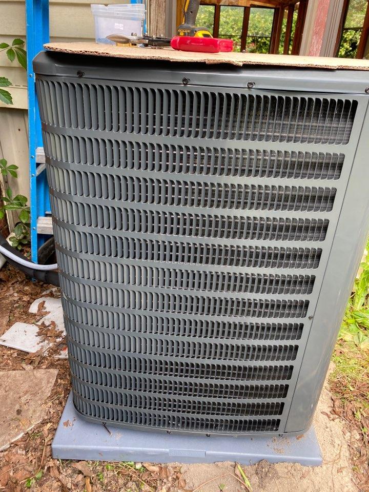 Martinez, GA - Installing Goodman Heat Pump