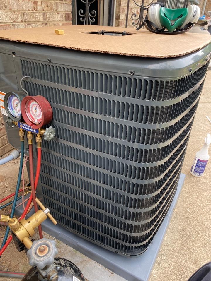 Augusta, GA - Installing Goodman Condenser