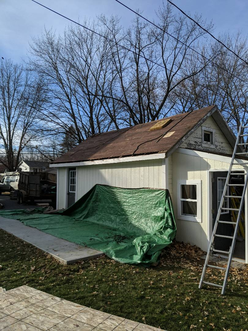 Hudson, WI - Customer called me looking to put a lien to onto his garage in hudson. I called cascade construction ask them to do it if they had time. Customer accepted cascade proposal to add lean to to existing garage and we are doing the roofing at this project. Installing CertainTeed landmark laminated shingle driftwood on detached garage