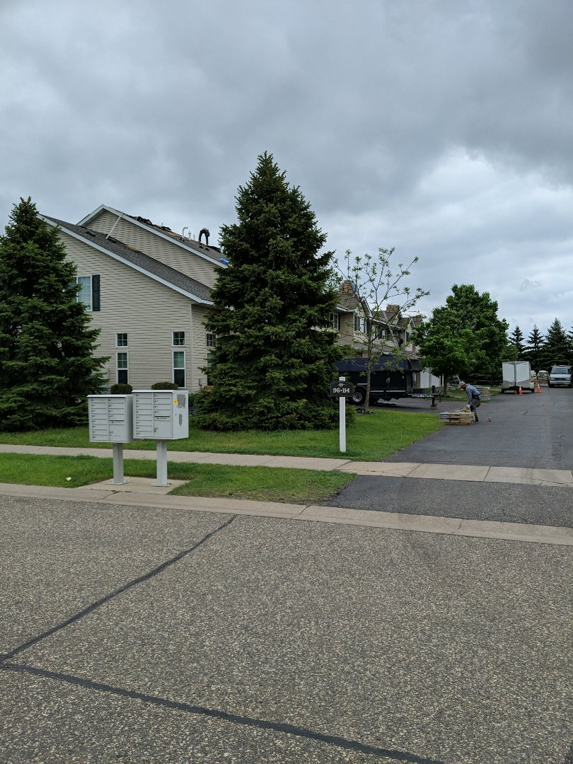 Hudson, WI - Started another HOA project here in Hudson for the lighthouse villas. Installing landmark CertainTeed weathered wood with the CertainTeed ice and water winter guard