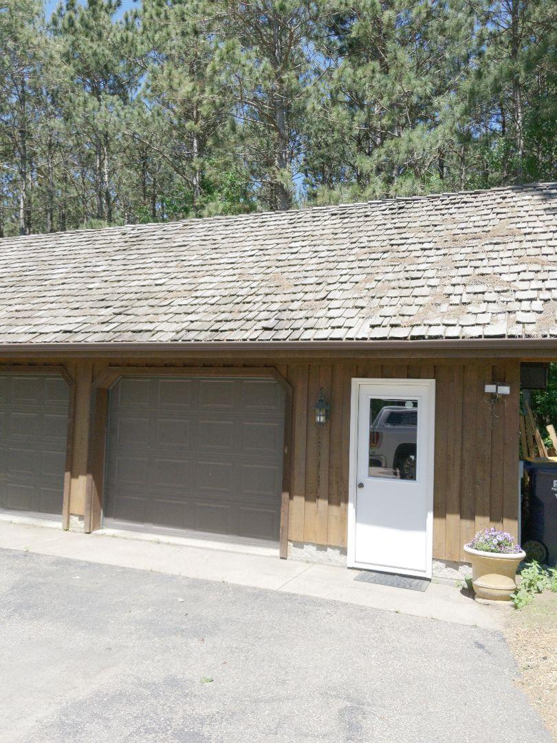 River Falls, WI - Providing estimate for Cedar shake shingles