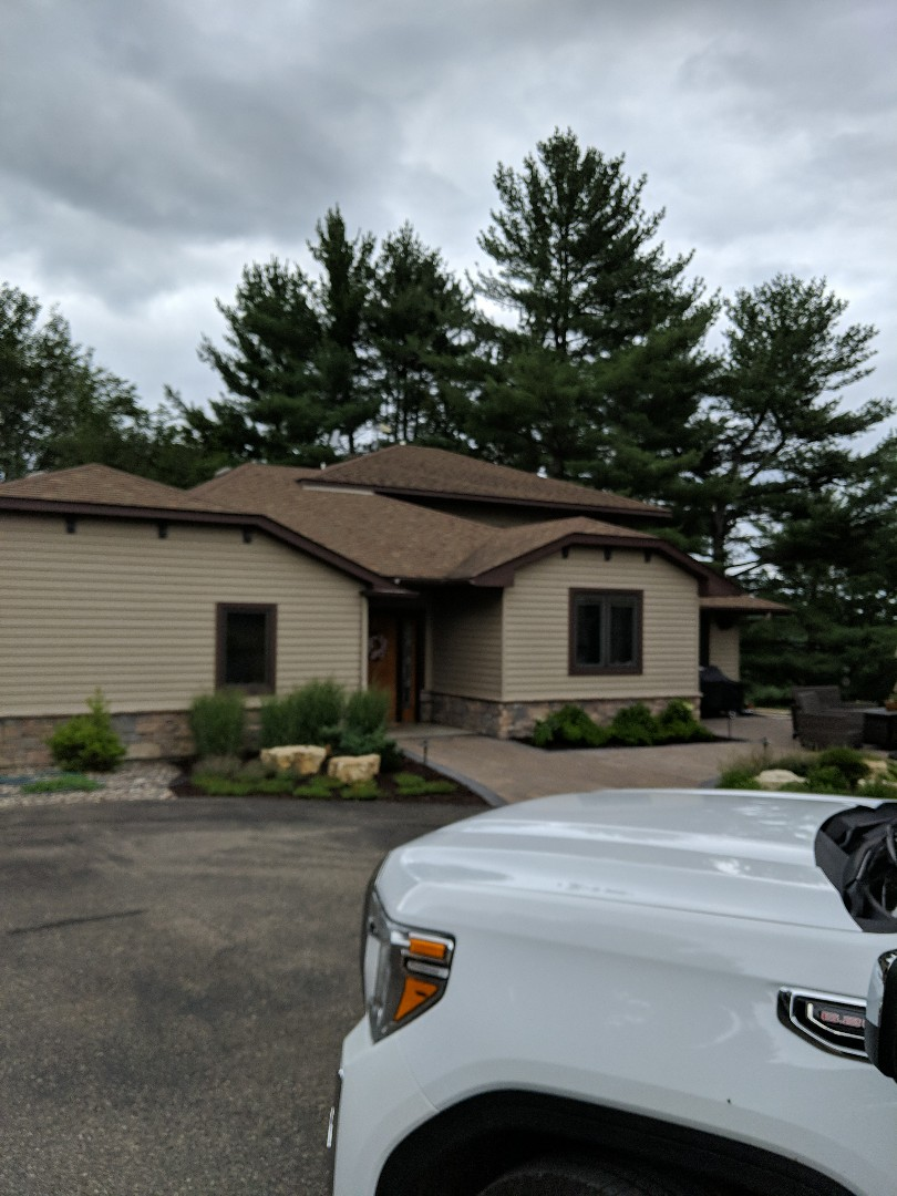 River Falls, WI - Providing roofing estimate after hail storm they have New horizon shingles that we will be putting in a claim for there by CertainTeed