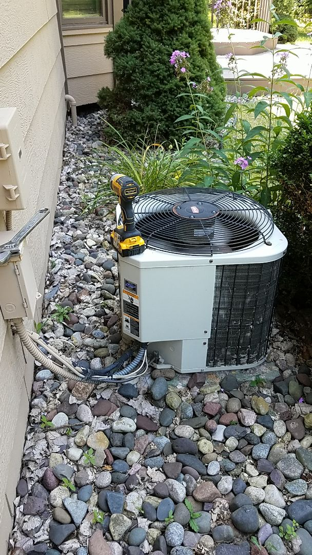Burnsville, MN - Ac service call. Performed a repair on a Bryant air conditioner