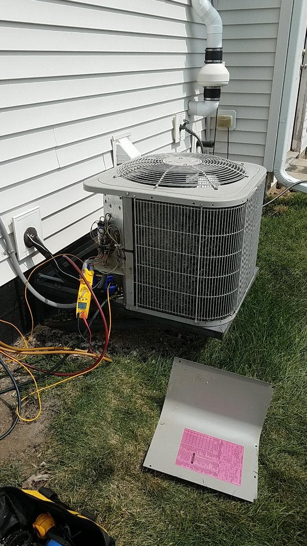 Rosemount, MN - Ac repair. Performed a air Conditioning service on a carrier unit.