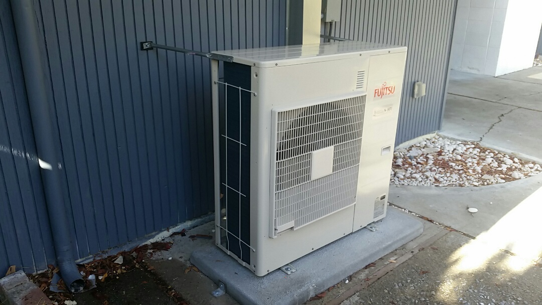 Heat pump installation on an eichler home