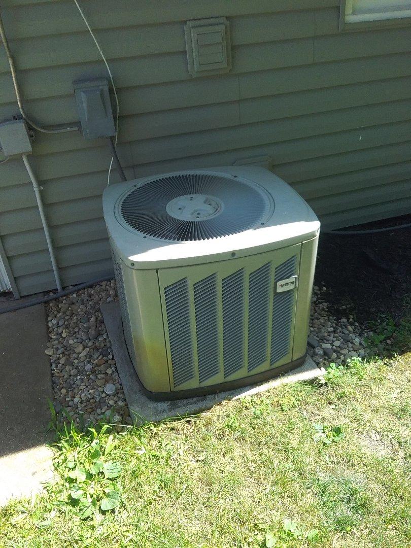 Naperville, IL - Completed a.c diagnostic on a American Standard condenser unit, found that the unit had a bad compressor