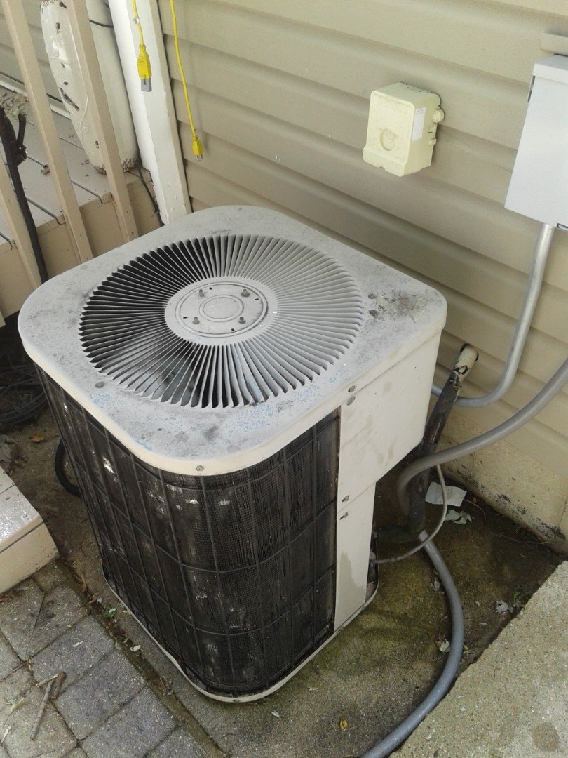 Crest Hill, IL - Complete a.c. maintenance. All components are operating properly. Condenser fins are dented a bit but not causing issues at this time.