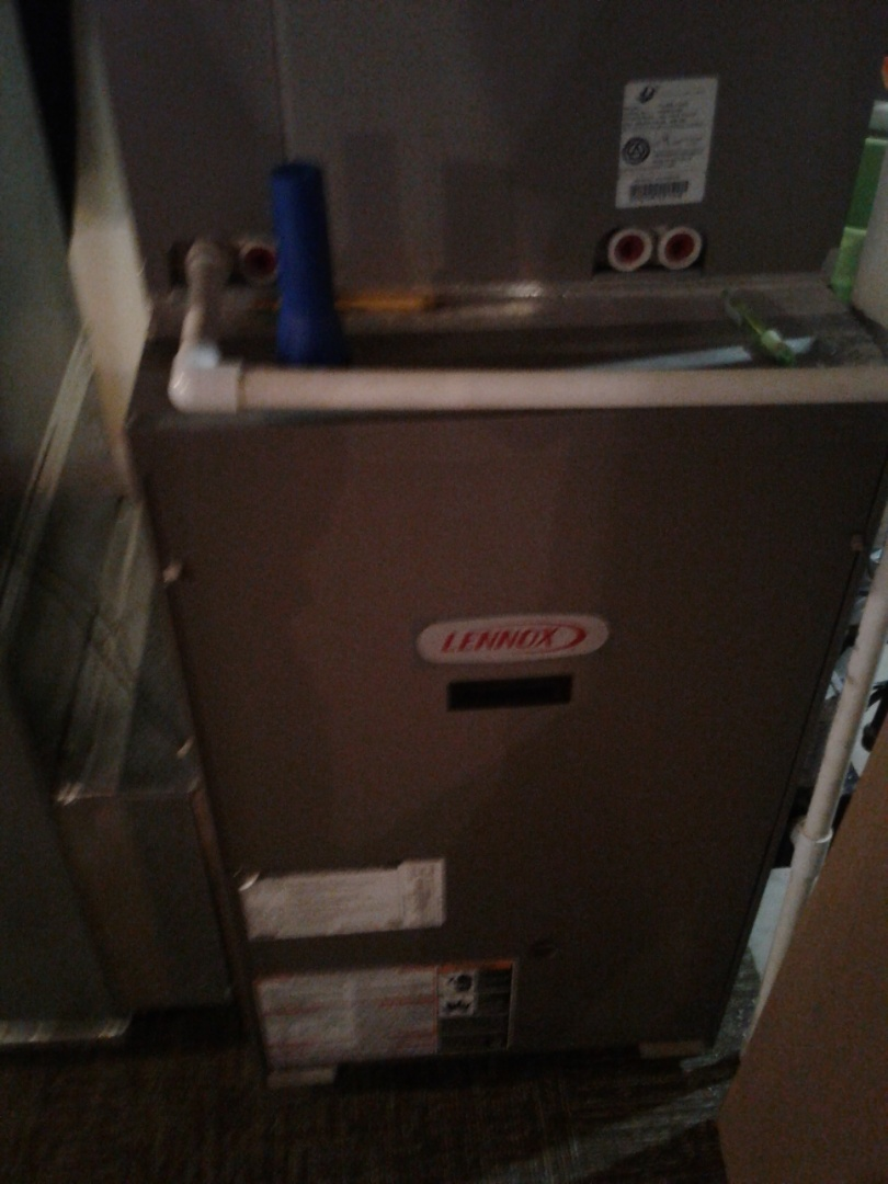 Oswego, IL - Complete furnace maintenance on Lennox. Also performed humidifier maintenance. All components are working properly.