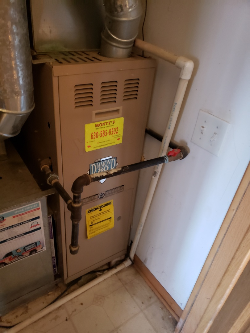 Bolingbrook, IL - Complete furnace maintenance. Recommend a blower motor cleaning, replacing hot surface ignitor, and replacing run capacitor on blower motor.