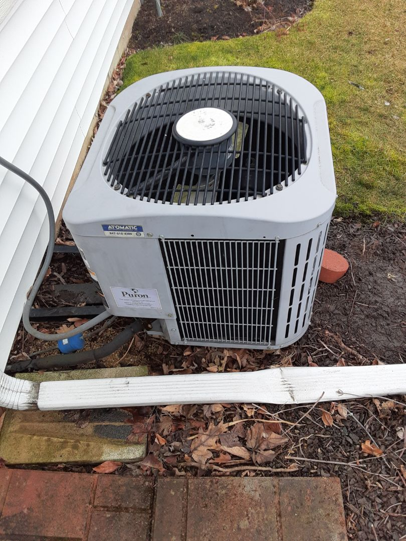 Crest Hill, IL - Complete ac maintenance. Recommended comfort advisor.