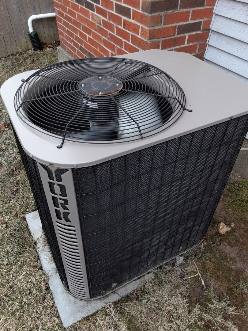 Naperville, IL - Complete ac maintenance. Replaced hsk. All is working properly.