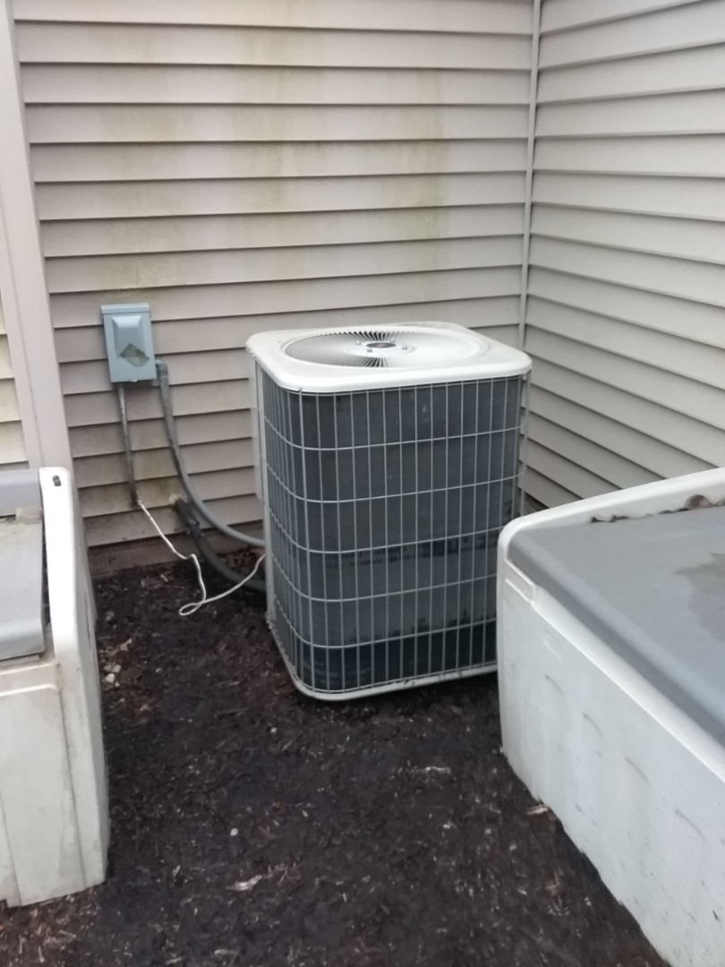 Aurora, IL - Completed spring maintenance on a lennox system.