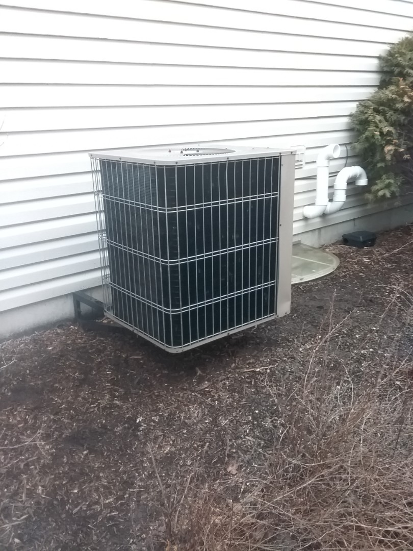 Oswego, IL - Completed ac maintenance on a  airease system.