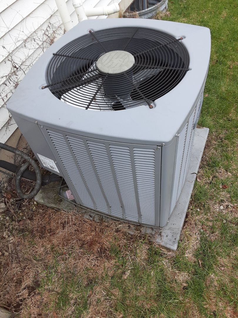 Naperville, IL - Complete ac maintenance. Replaced contactor. Recommended by light. All is operating properly at this time.