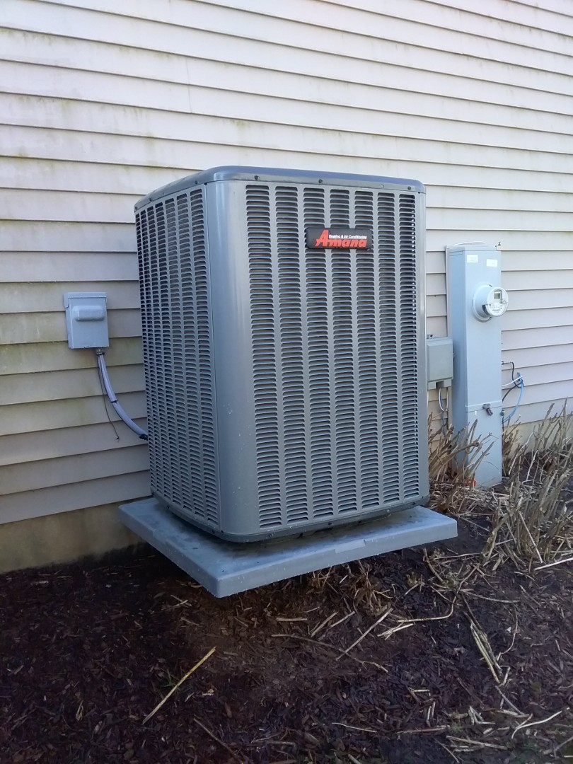 Crest Hill, IL - Completed spring maintenance on a Amana system.