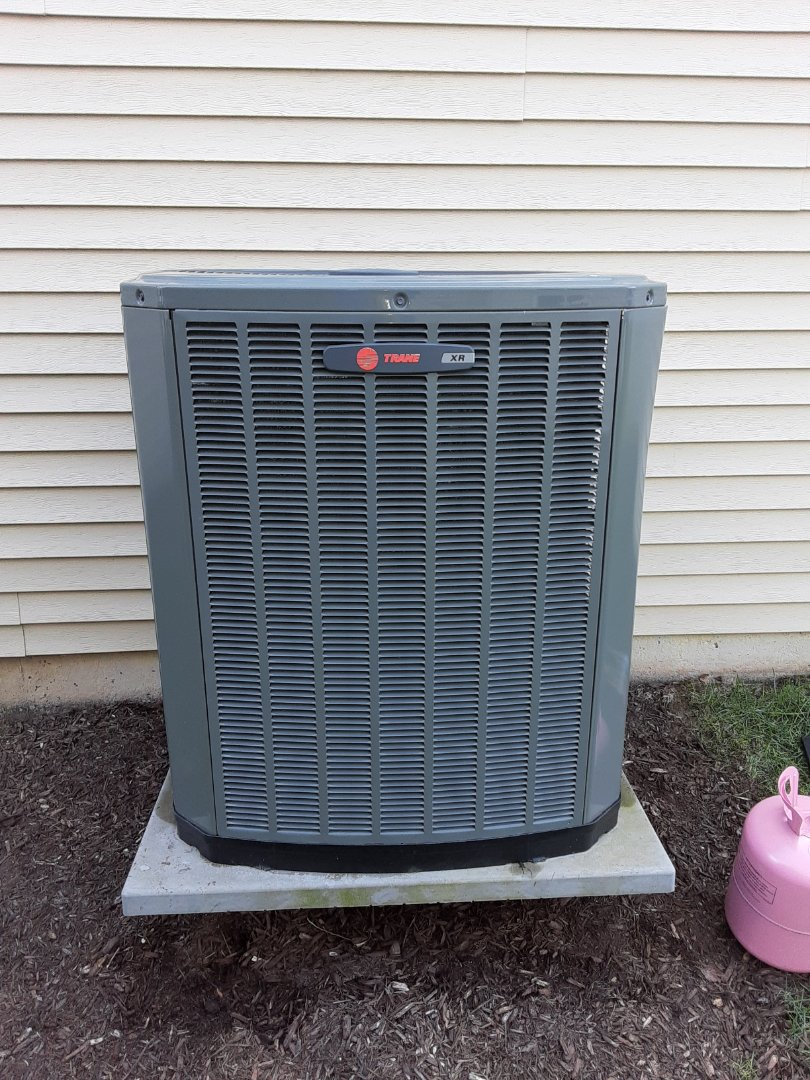 Romeoville, IL - Complete ac maintenance. Added 1lb of refrigerant and added an ez seal.
