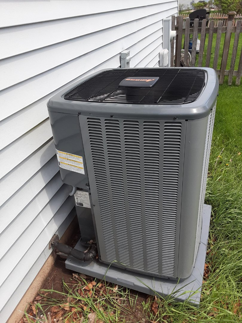 Romeoville, IL - Complete ac maintenance. All components are operating properly.
