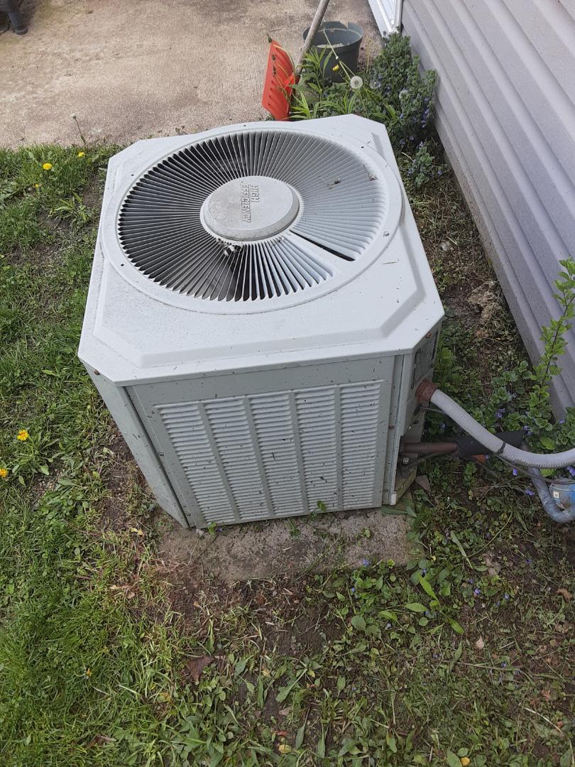 Complete ac maintenance. Unit has no refridgerent; customer is aware.