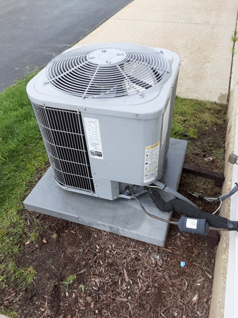 Romeoville, IL - Complete ac maintenance on carrier. All components are operating properly.