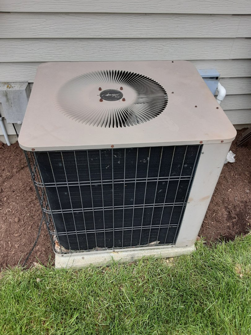 Oswego, IL - Complete ac maintenance. Added 1lb of R22