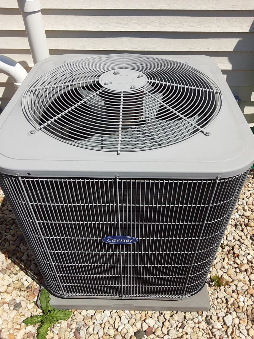 Crest Hill, IL - Complete ac maintenance. Replaced dual run capacitor.