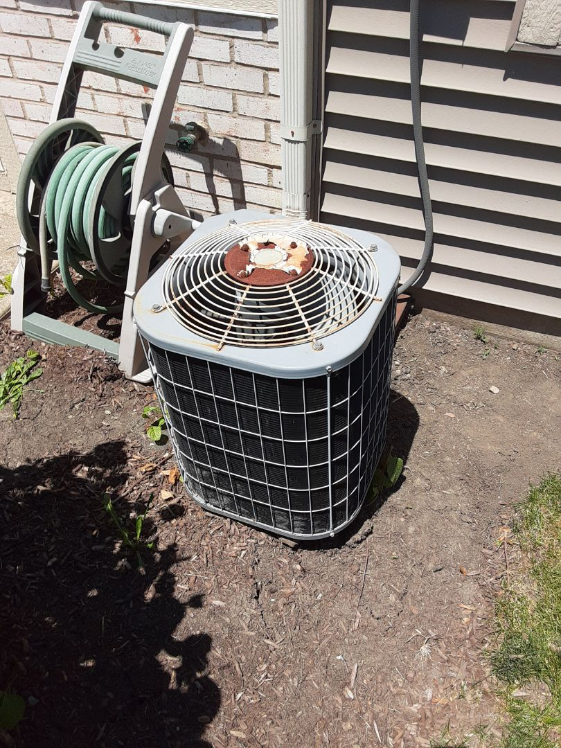 Crest Hill, IL - Complete ac maintenance. Recommend replacing the dual run capacitor. Attached estimates to invoice for cost of replacement and a duct cleaning and dryer vent cleaning.