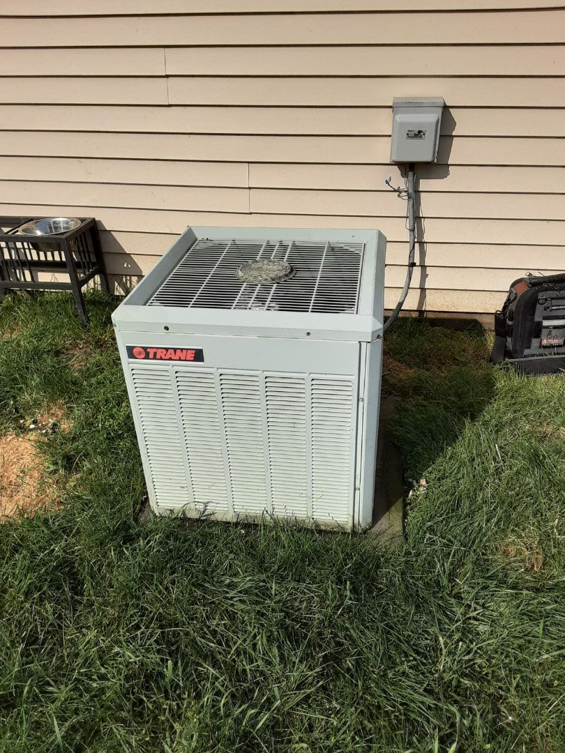 Aurora, IL - Complete ac maintenance. Recommend replacing the system in the near future due to age and potential costs of future repairs.