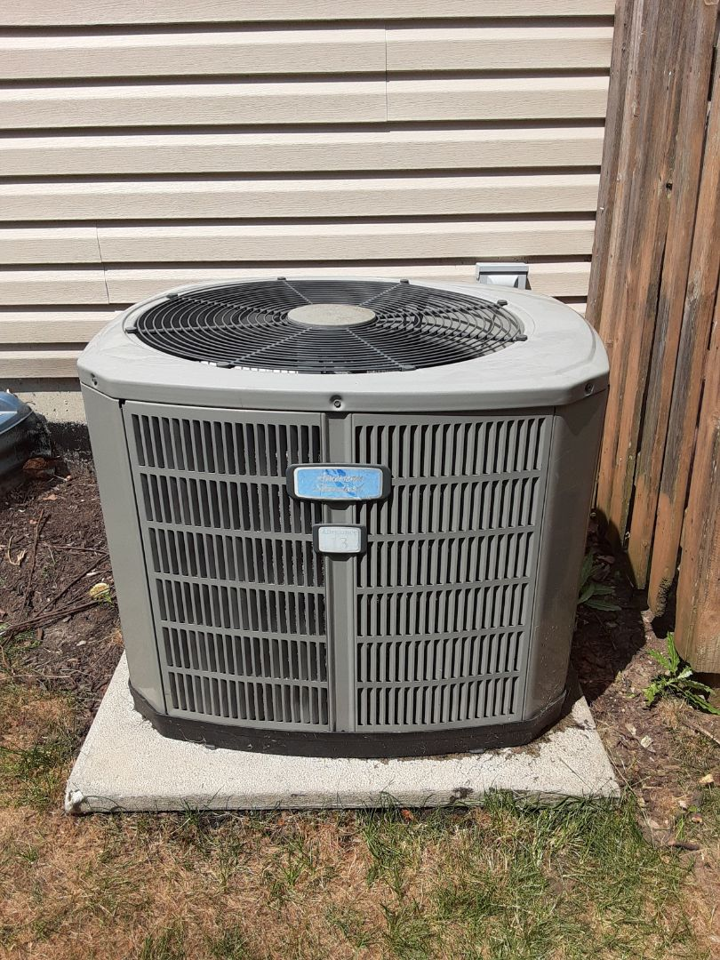 Aurora, IL - Complete ac maintenance. Added 2lbs of R410a and Ez seal.
