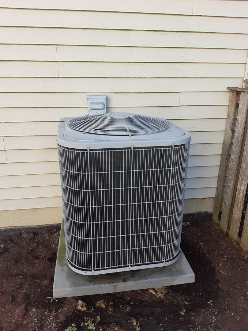 Aurora, IL - Complete ac diagnostic. Replaced filter and dual run capacitor.
