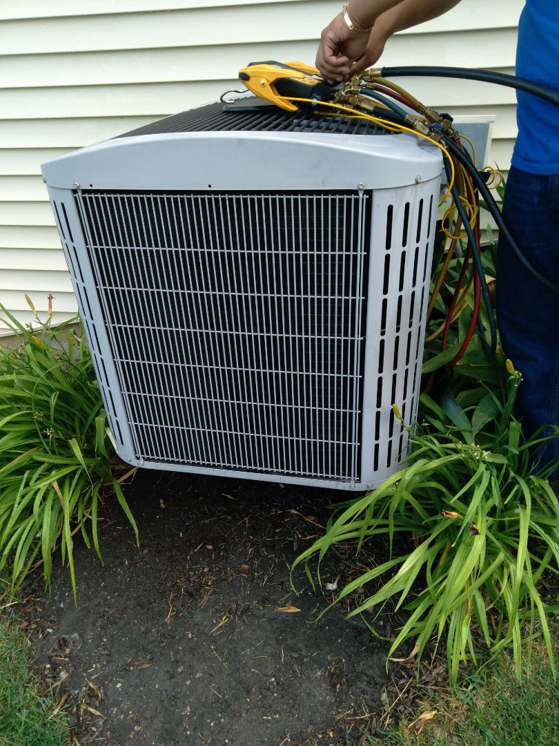 Crest Hill, IL - Completed spring maintenance on a Carrier ac system