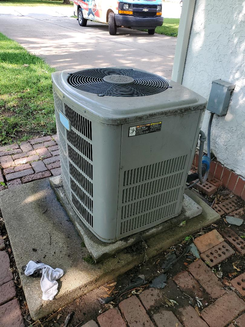 Plainfield, IL - Completed ac maintenance with little to no problems for our comfort club member!
