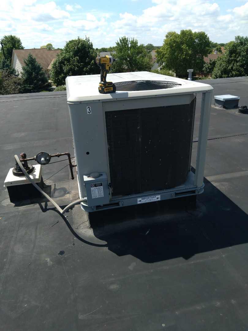 Replaced 3 pole contactor on roof top american standard package unit.