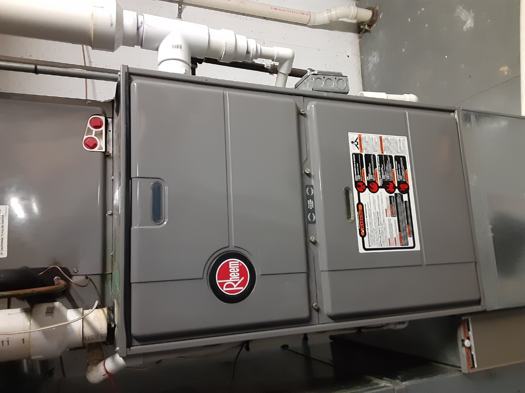 Aurora, IL - Complete furnace maintenance. Will return to replace solenoid valve on humidifier