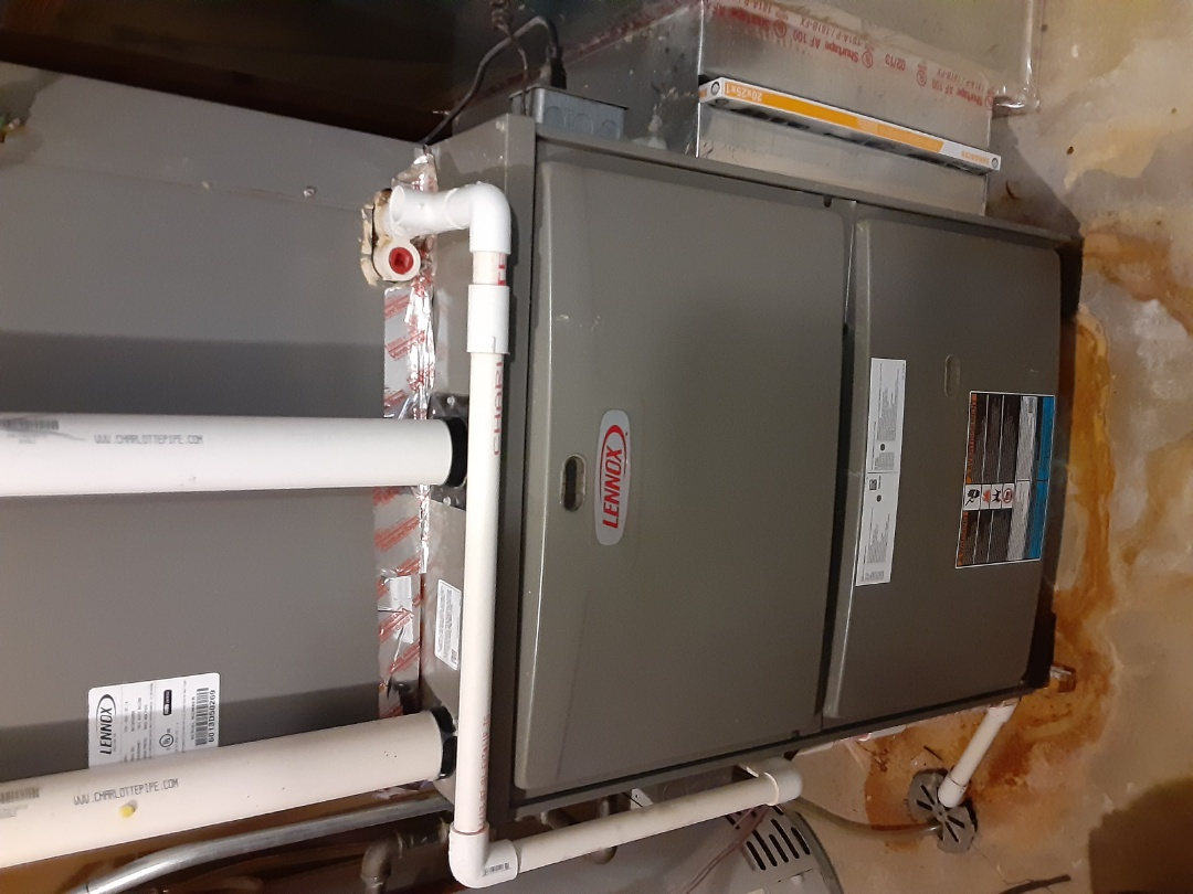 Bolingbrook, IL - Complete furnace and humidifier mmaintenance.Attached recommendations to invoice.