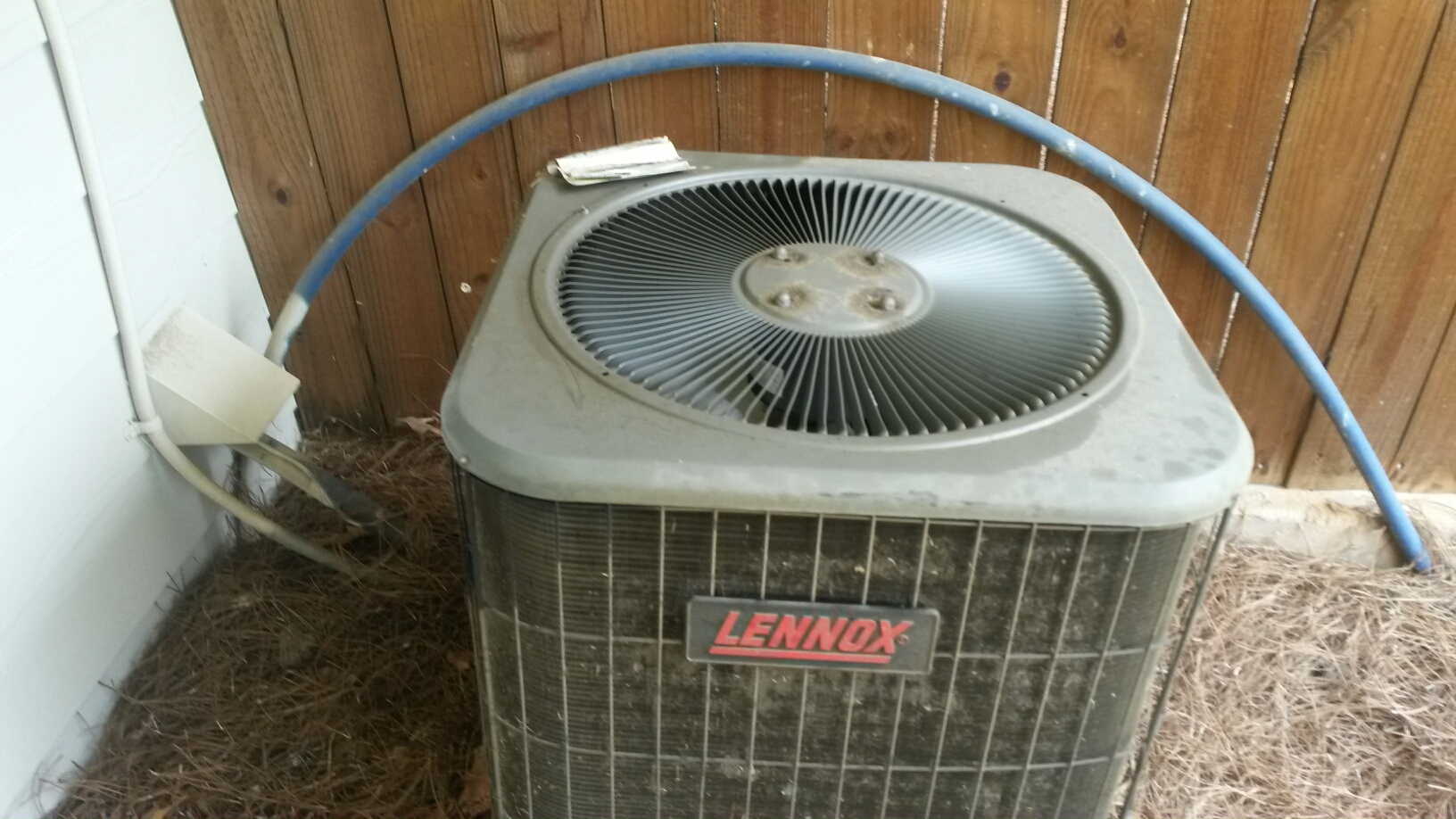 Mableton, GA - Lennox AC failure  We will install a new trane xr 14. 14 seer with a new evaporator