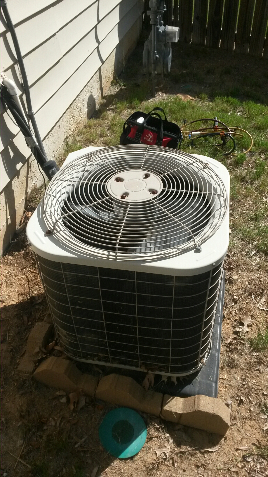 Austell, GA - I'm performing a tune up on a Bryant ac condenser