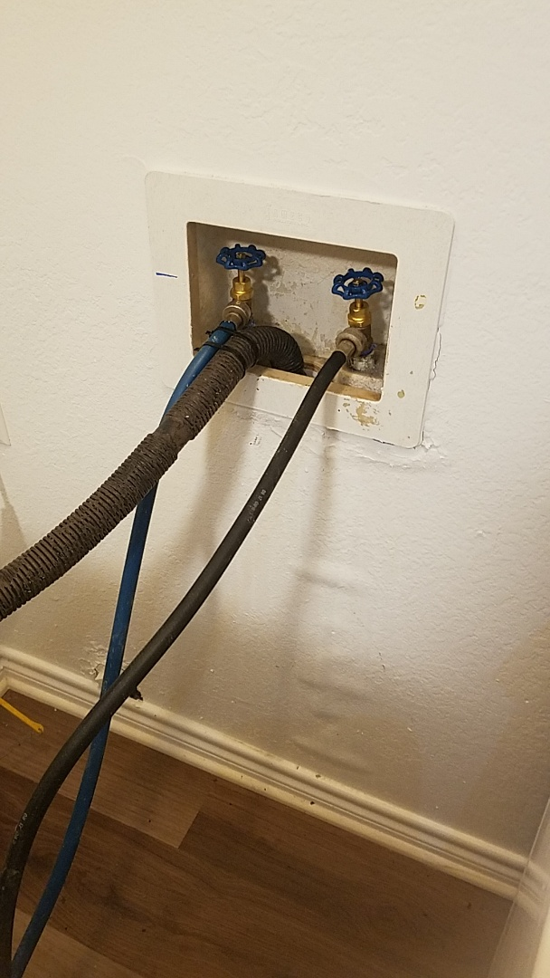 Glenn Heights, TX - Leaking hose bibb