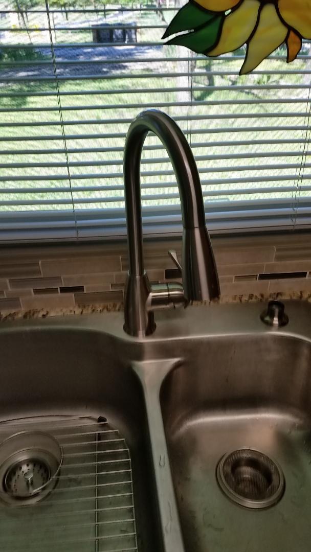 Arlington, TX - Leaking shut off valves