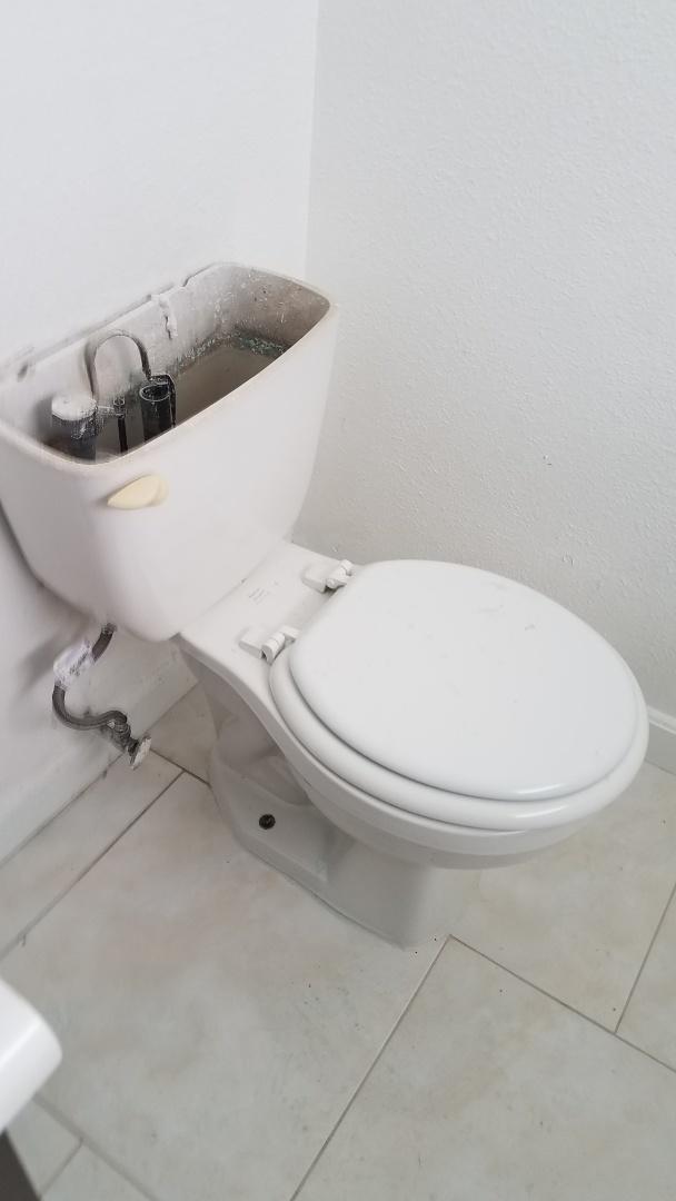 Glenn Heights, TX - Commode leaking