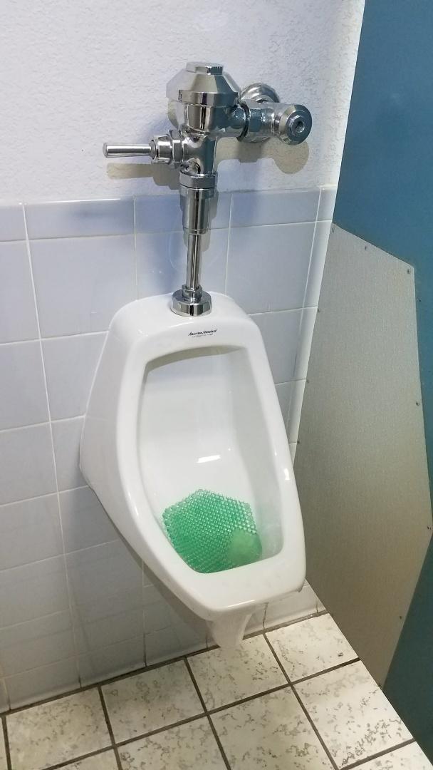 Arlington, TX - Urinal not flushing well