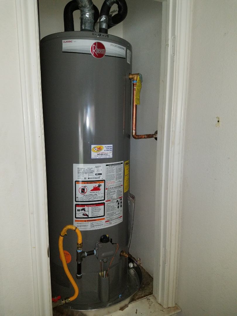 Cedar Hill, TX - Water heater leaking