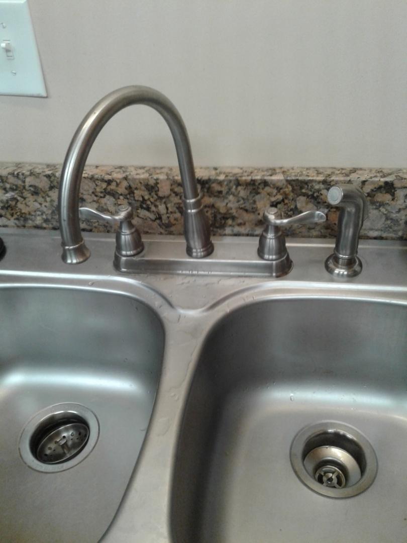 Duncanville, TX - Kitchen faucet leaking
