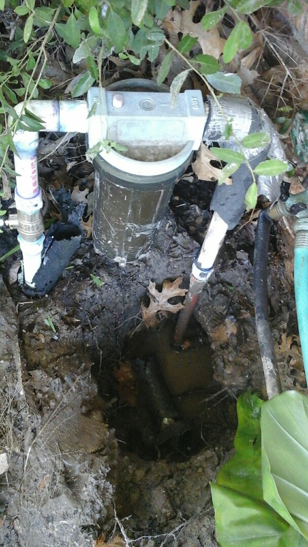 Red Oak, TX - Leak in the yard