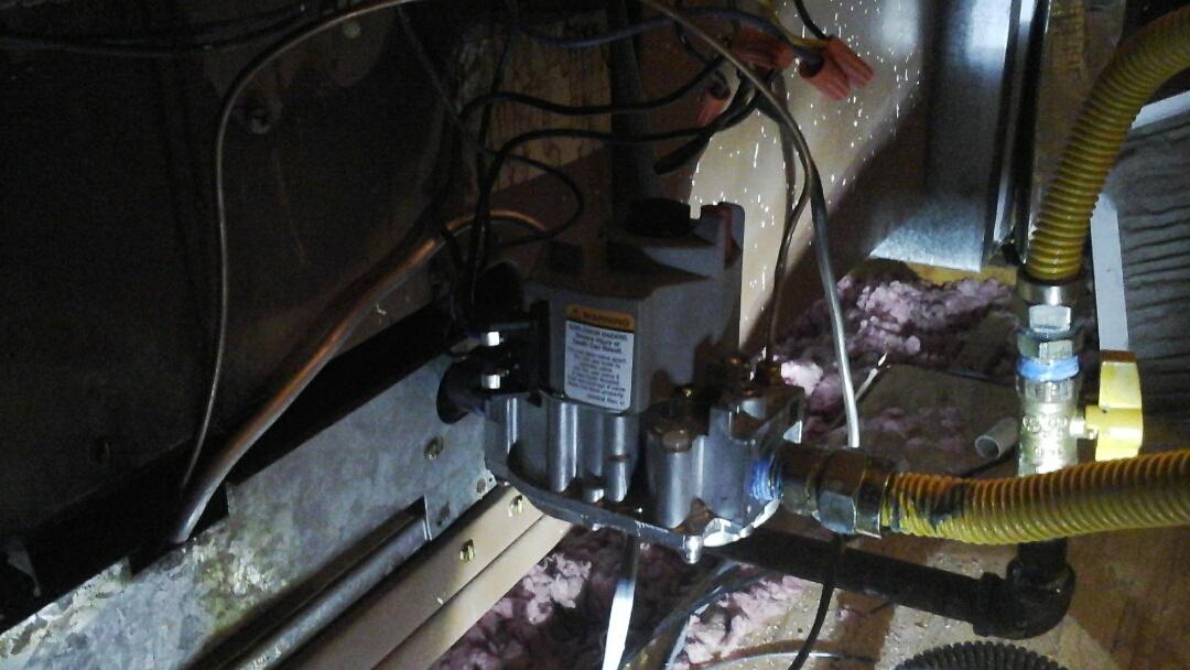 DeSoto, TX - Replace gas valve on furnace