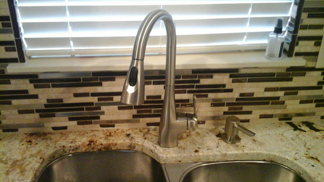 Cedar Hill, TX - Tighten faucet
