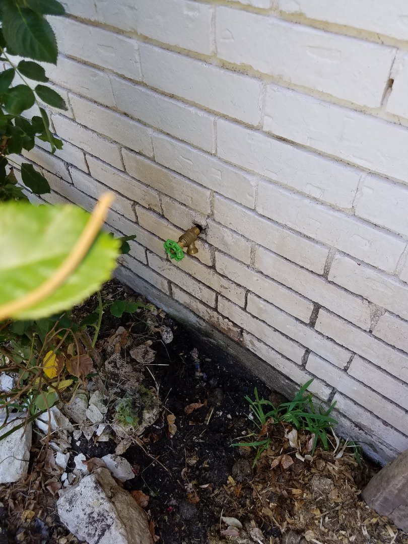 Duncanville, TX - Hose bibby leaking