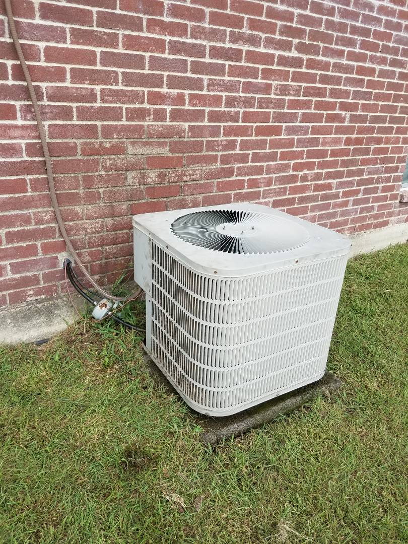 Glenn Heights, TX - Add freon to AC, clear condensate line