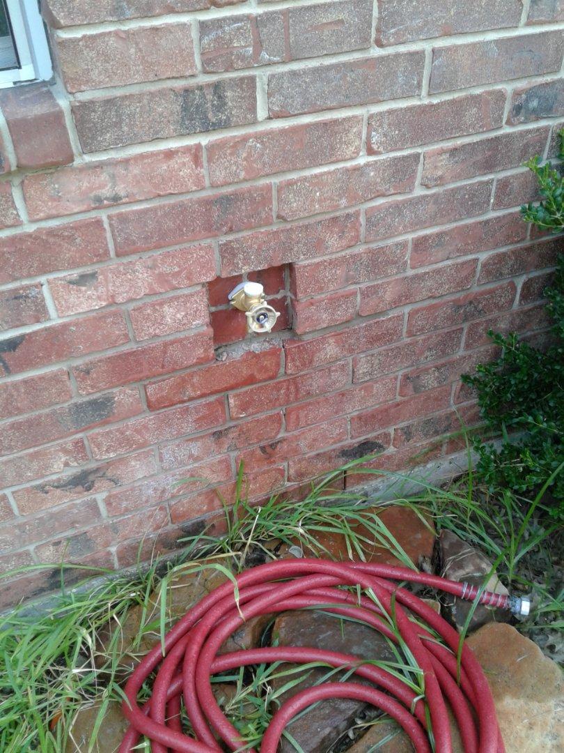 Waxahachie, TX - Outside faucet leaking