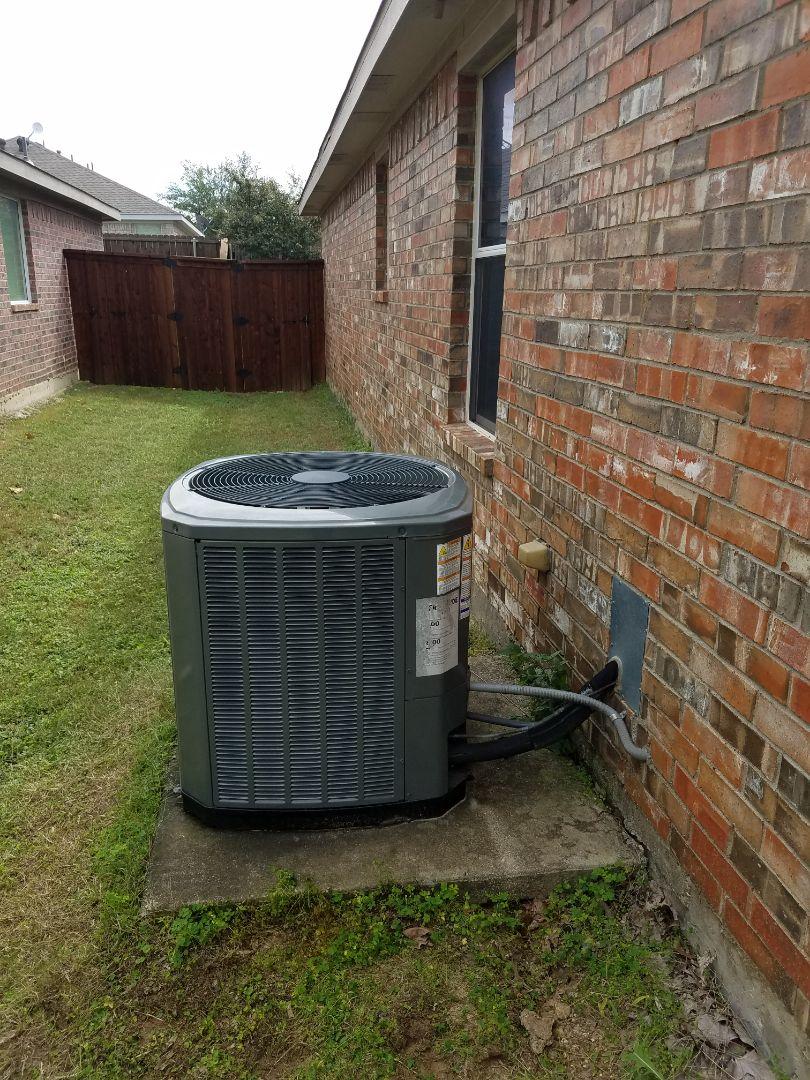 Waxahachie, TX - Repair freon leak on heat pump